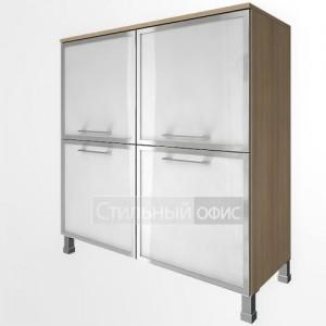 Шкаф низкий широкий четырехсекционный со стеклянными дверками