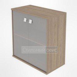 Шкаф низкий широкий закрытый со стеклом
