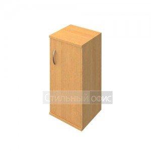 Шкаф низкий узкий с деревянной дверью