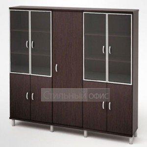 Шкаф в кабинет руководителя для одежды