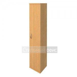 Шкаф высокий узкий с деревянной дверью