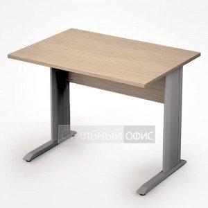Стол на металлических опорах прямой короткий